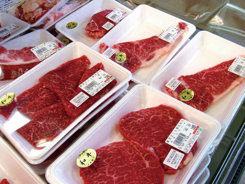 ハマっ子に並んだ「JA横浜ハマっ子和牛」の牛肉